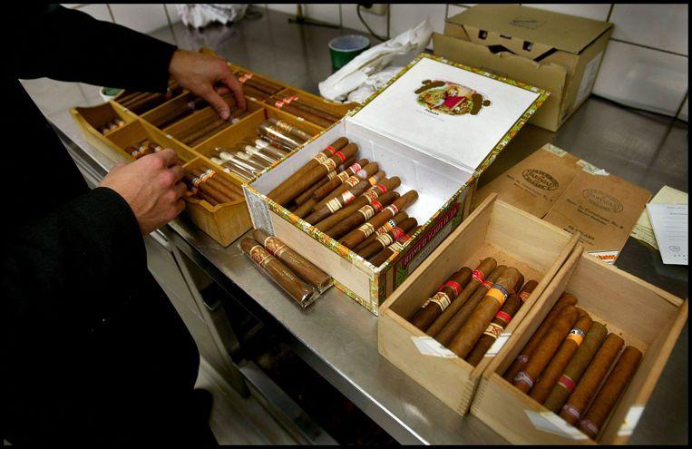 Het traditionele sigarenkistje moet plaatsmaken voor een neutrale verpakking om de rookwaar onaantrekkelijker te maken. Beeld ANP