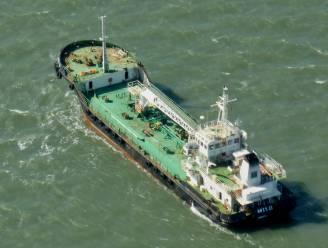 Piraten laten gekaapte tanker en bemanning gaan