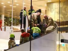 Beveiliger McDonald's Coolsingel gewond na vechtpartij