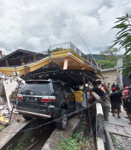 Un puissant séisme en Indonésie fait au moins 37 morts, des disparus sous les décombres