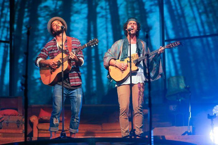 Jeremy Frerot et Florian Garcia Delavega du groupe Frero Delavega, le 7 mai 2015.