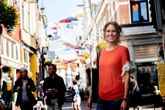 Jorien Vermeer zorgt ervoor dat Deventer ook aanhaakt bij de Dutch Sustainable Fashion Week. Ze houdt een route door de stad, lezingen en een modeshow.