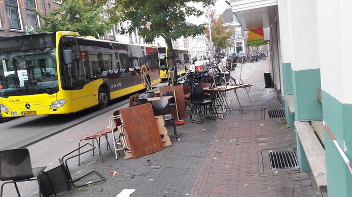 Terras Gys in de Voorstraat, na de aanrijding