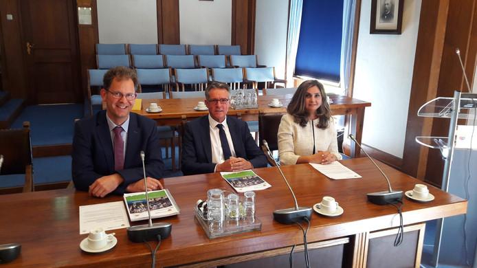 Het nieuwe college van Heerde: Wolbert Meijer, Jan Berkhoff en Yasemin Cegerek (vlnr).