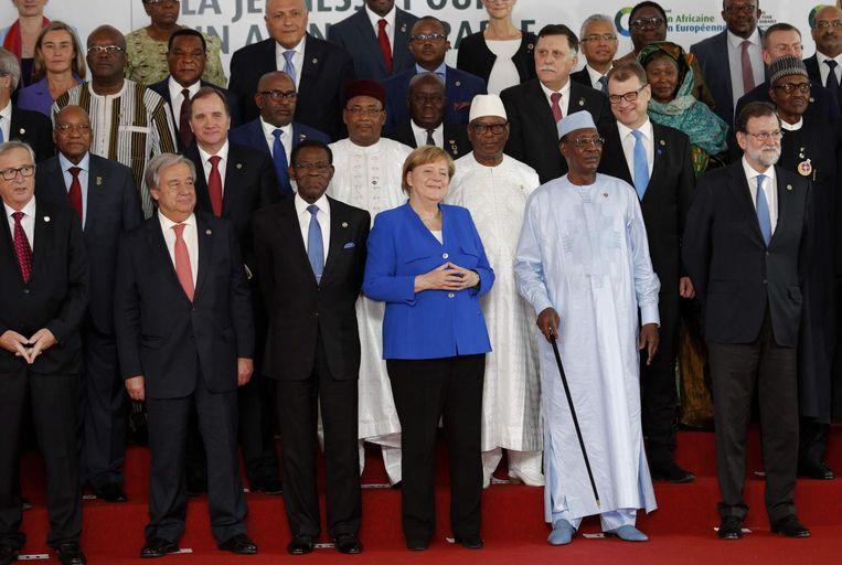 Op de EU-Afrikatop waren ruim tachtig Europese en Afrikaanse leiders (onder wie Mark Rutte) aanwezig. Beeld AFP