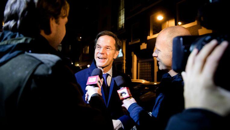Premier Mark Rutte arriveert bij Carré voor aanvang van het Carré-debat. Beeld anp