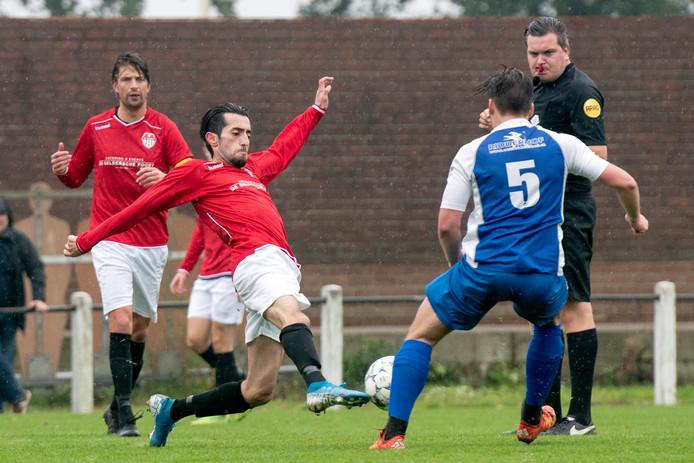 SC Rheden, hier in actie tegen Pax, bereikte de laatste acht van de Arnhem Cup.
