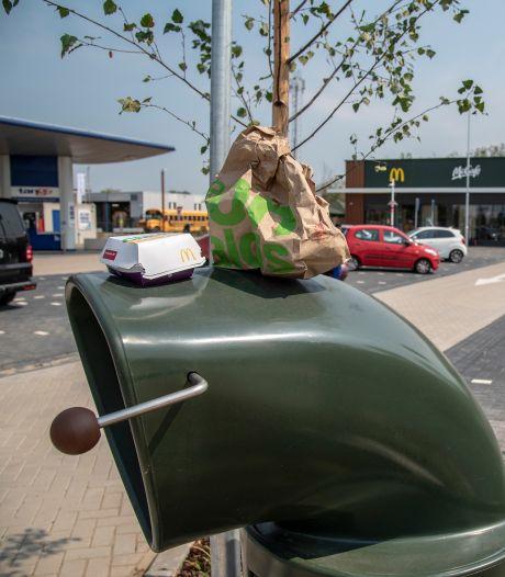 Nu al klachten over afval rond net geopende 'milieuvriendelijke Mac' in Boxmeer