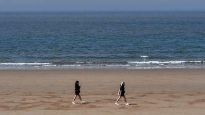 HET DEBAT. Moet het strand deze zomer gereserveerd blijven voor bewoners en hotelgasten?