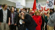 Actievoerders betogen tegen Francken