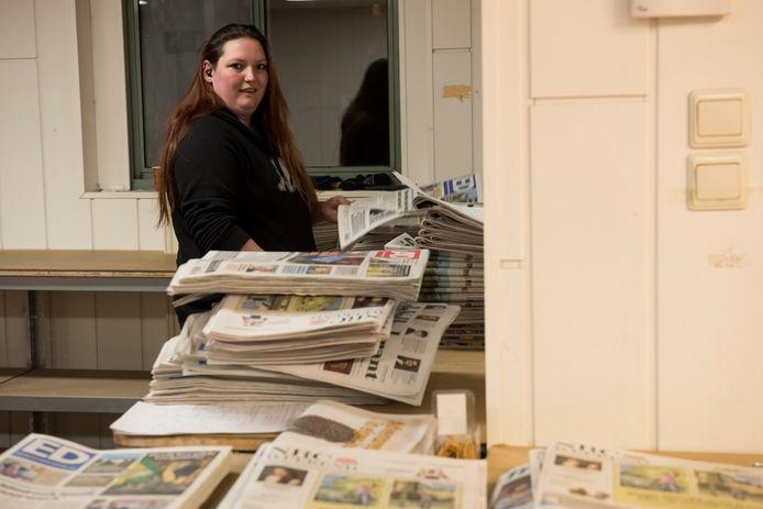 Sanne Peters is depothoudster van de dagbladen van De Persgroep (DPG Media) - waaronder het ED - in Son en Breugel.