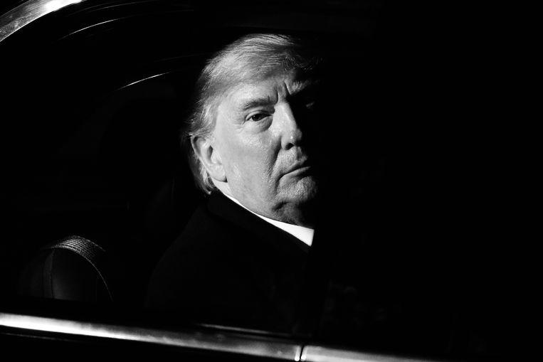 Terwijl president Trump woensdag terugvloog naar de VS, na de Navo-top in Londen, legden de Democraten in het Huis van Afgevaardigden de laatste hand aan het impeachmentonderzoek. Beeld Getty Images