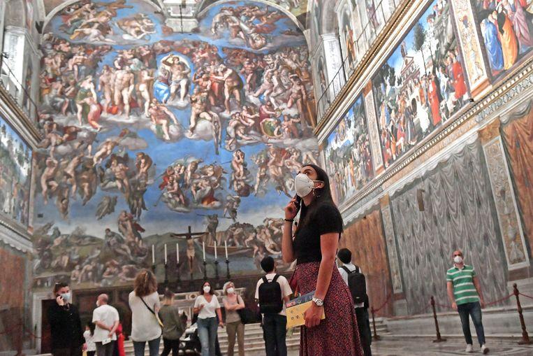 Ook de musea van het Vaticaan met de wereldberoemde Sixtijnse Kapel heropenden. Je moet wel op voorhand een tijdslot reserveren waarin je wil langskomen. Heb je bovendien meer dan 37,5 graden Celsius koorts, kom je er niet in.