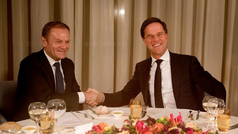 Donald Tusk en Mark Rutte. Beeld null