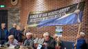 Leden van de actiegroep Handen af van Wijboschbroek! bezochten donderdagavond de commissievergadering in Sint-Oedenrode.