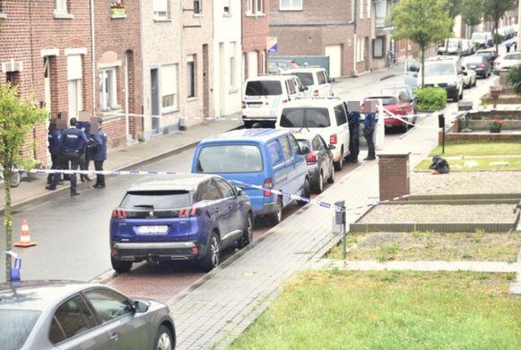 De politie is bezig met de eerste vaststellingen na het drama.