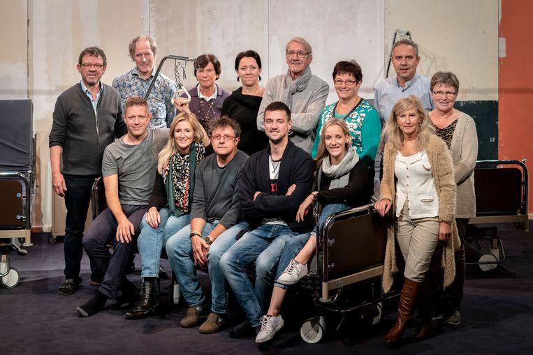 De cast van Ziekelijk.