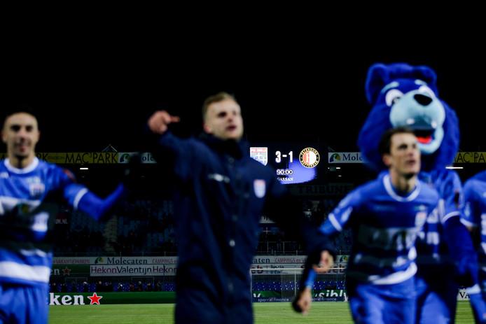 In de laatste zestien thuisduels was PEC Zwolle alleen Rotterdamse tegenstanders de baas. Na Sparta (maart) en Excelsior (oktober) leverde het bezoek van Feyenoord zaterdag weer eens drie punten op.