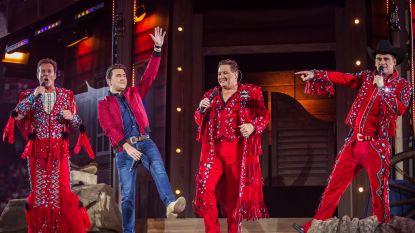In het roze gekleed naar 'pretty in pink' Toppers-circus