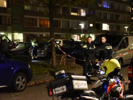 Slachtoffer schietpartij Kanaleneiland uit ziekenhuis, verdachten nog voortvluchtig