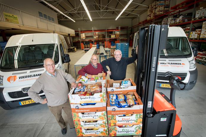 De voedselbank Nijmegen heeft sinds vorig jaar een nieuwe, grotere, locatie aan de rand van de stad. Hier komen de producten binnen en worden vervolgens de voedselpakketten samengesteld.