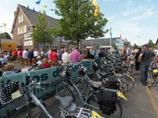 Halderberge geeft sleutel leegstaande bieb Hoeven aan Stichting Dorpshuizen
