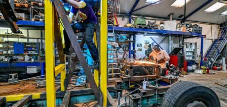 Bouwen carnavalswagens gaat door: 'Desnoods voor 2022'