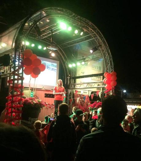 Jackie Groenen in Riel gehuldigd