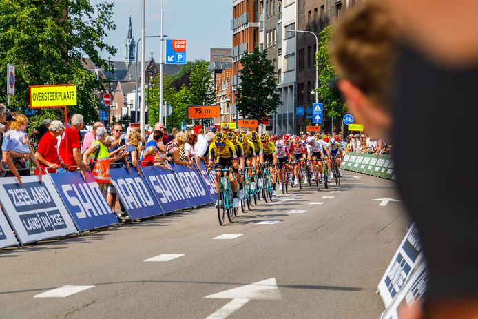 ZLM Tour, finish in Tilburg