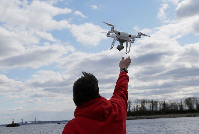 Drones uitsturen kan helpen om de situatie ter plaatse correct in te schatten.
