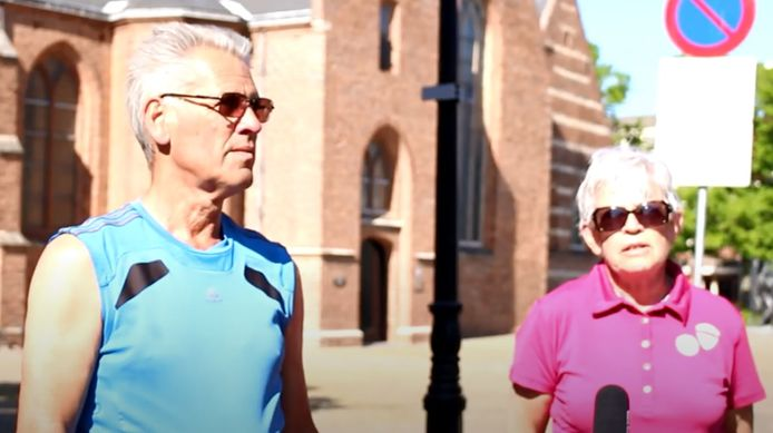 Wim en Cobi Haag uit Leerdam hebben hun zoon Dennis al weken niet gezien.