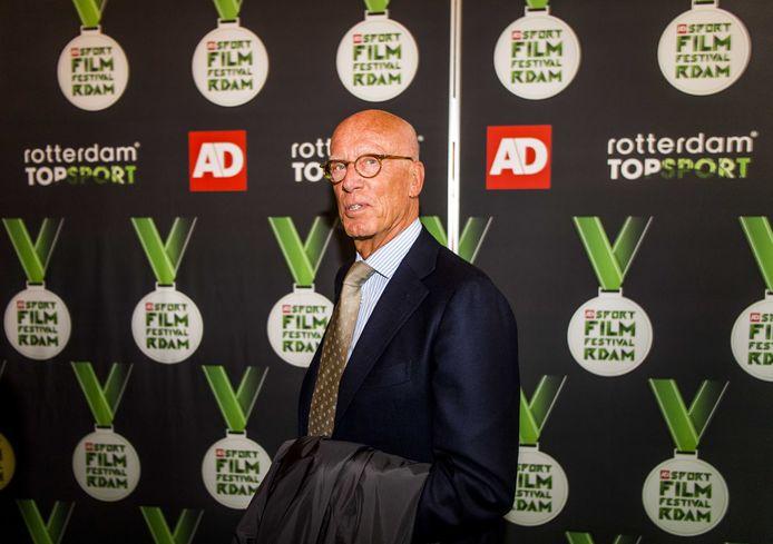 Oud-Feyenoordvoorzitter Jorien van den Herik in 2017 op de rode loper voor de FIFA-documentaire Match 64.