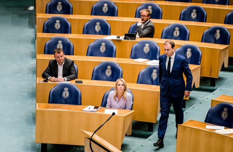 Lilian Marijnissen (SP) en Lodewijk Asscher (PVDA) tijdens een Tweede Kamerdebat over de ontwikkelingen van de economie en de noodmaatregelen om ondernemers door de coronacrisis te helpen.  Beeld ANP