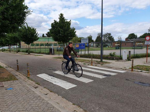 De Edith Cavellaan in Brecht krijgt een nieuwe toplaag en wordt een fietsstraat.