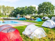 Willemstadse kinderen dolblij met zwemping: één van de weinige dingen die deze coronazomer wél doorgaan