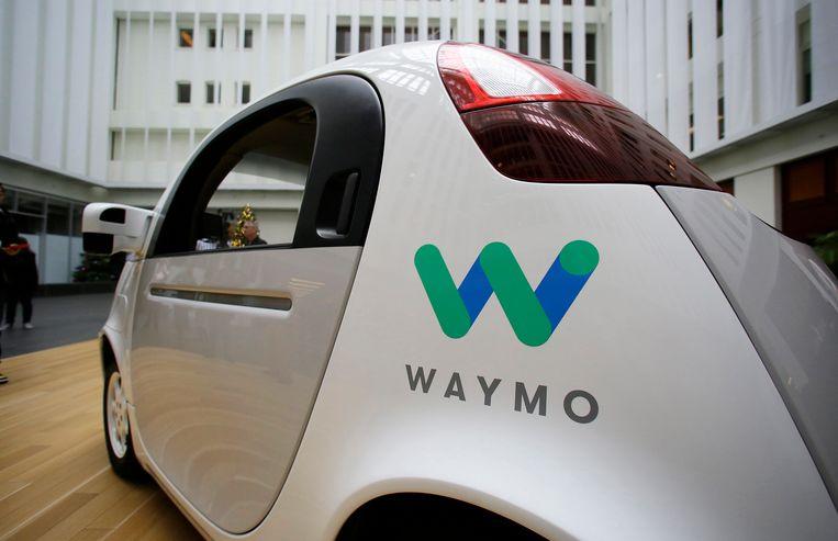Een zelfrijdende wagen van Waymo wordt voorgesteld op een Google-evenement op 13 december 2016.