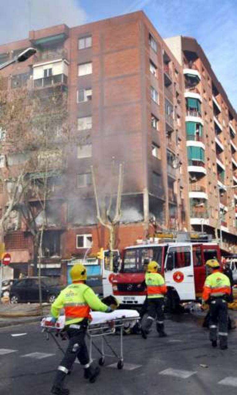 Bij een gasexplosie in een appartementsgebouw in Barcelona kwamen drie mensen om het leven.