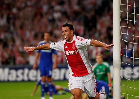 Mounir El Hamdaoui schiet Ajax voorbij Dynamo Kiev.