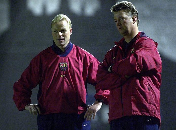 Ronald Koeman in 1999 als assistent-trainer van Louis van Gaal.