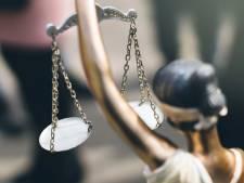 Eis tegen jongens die negen mensen beroofden: detentie en werkstraf