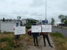 Poolse demonstranten bij slachterij Vion in Boxtel: 'Wij willen werken, maar wel veilig'