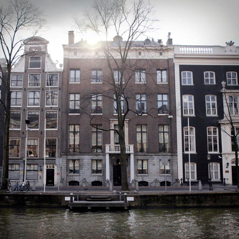 De Amsterdamse burgemeesterswoning is niet te koop, wel een van de bekendste burgemeesterswoningen van Nederland. Beeld Joost van den Broek