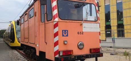 Herrie op spoor van sneltram komende nachten: slijptram onderhoudt spoor