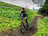 Veldrijders moeten Friese modder overleven