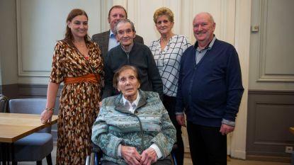 """Oudste inwoner van Deurne viert 105de verjaardag: """"Het geheim van een lang leven? Alles klaarmaken in goede boter!"""""""