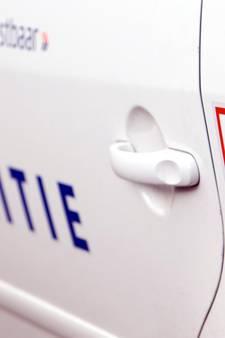 Vrouw beroofd van tas bij bushalte in Rijkerswoerd