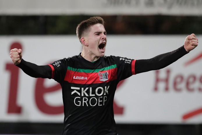 Tom van de Looi is uitzinnig na de 1-2 bij Helmond Sport.