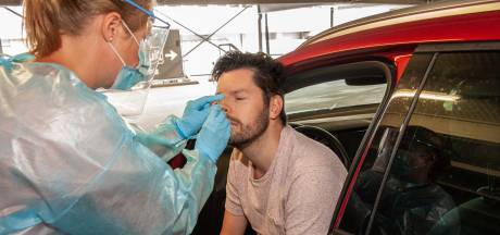 Drukte in teststraten Alphen en Gouda: vaak 300 testen per dag