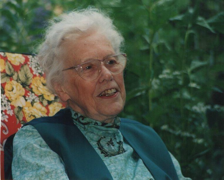 Ook na haar pensionering bleef Jeanne van der Eng-Liedmeier de wijze, boeiende vrouw die hele colleges kon geven. En die zowel heel lief als erg kwaad kon zijn. Beeld Trouw