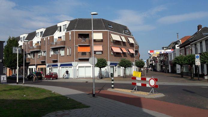De achttien nieuwe appartementen en de ontmoetingsruimte voor ouderen komen op de begane grond van dit complex op de hoek Gasthuisstraat-Misterstraat.